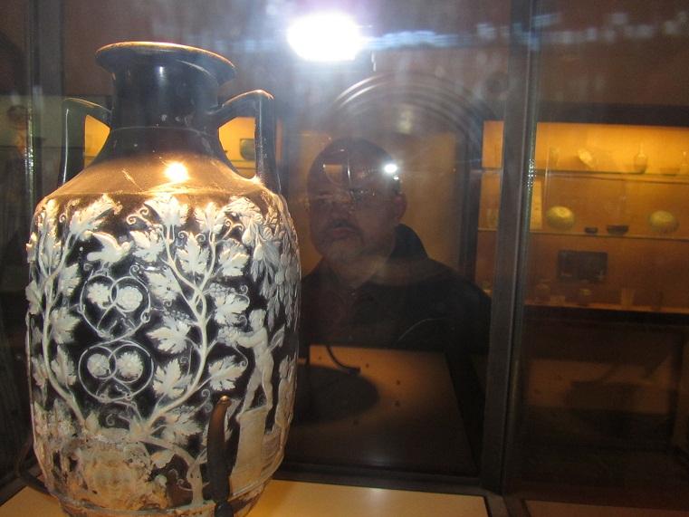 Портландская ваза, кокнутая англичанами в начале 19 века
