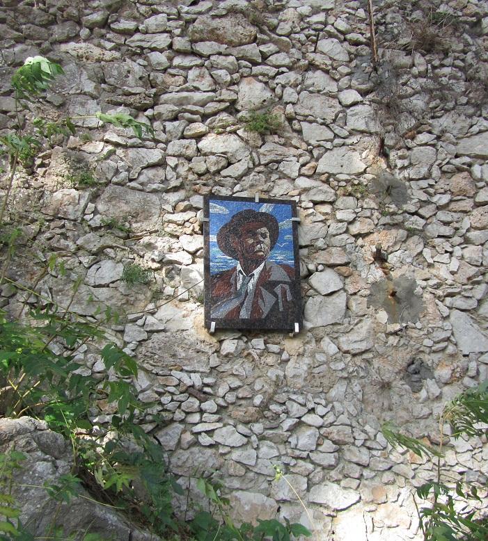 Горькому установили мемориальную икону
